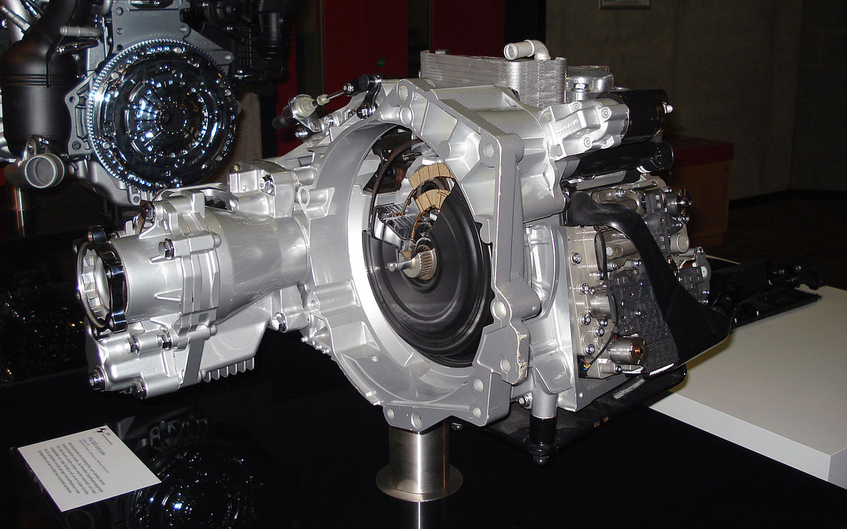 how many parts in a manual transmission